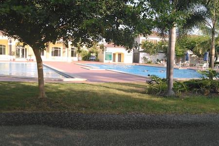 APARTAMENTO EN LA MEJOR ZONA (Samborondon) - Samborondón - Apartament