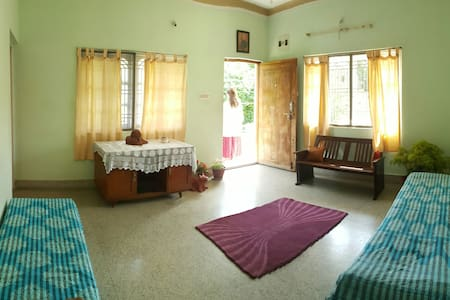 Spacious and cosy 2BHK+huge terrace - Daire