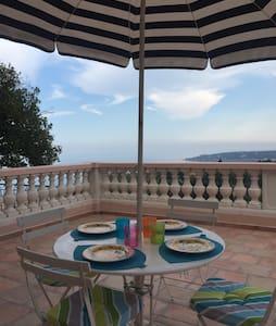 Charmante villa vue mer - Menton