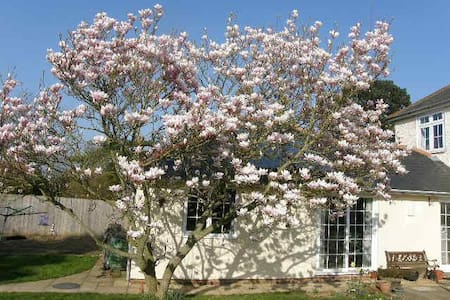 Magnolia Cottage - cosy countryside annexe - Lympne - Bungalow
