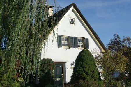 Landhuisje aan rand van Schijndel  - Schijndel - Bed & Breakfast