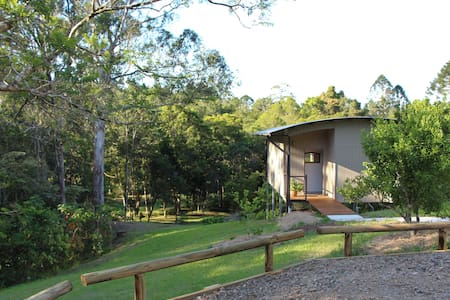 "Kaalba ""bright place"" - Maleny - Cottage"