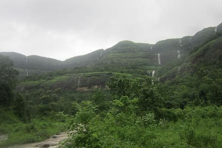 Omkar Cozy Cottage for couple in Matheran - Matheran - Bed & Breakfast