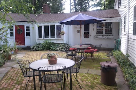 Town and Country Hideaway - Morristown - Hus
