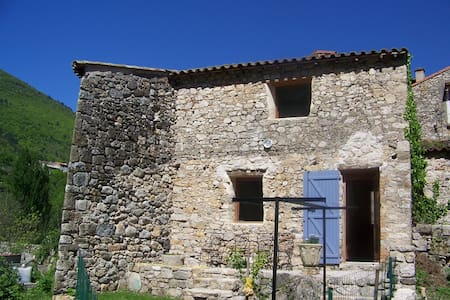 Nice holiday cottage** in Cevennes - Haus
