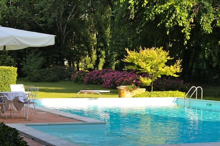 Appartamento Piscina Corte Santa Maddalena - Bed & Breakfast