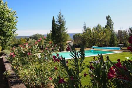 Gite piscine chauffée - Roussillon - Luberon - Roussillon