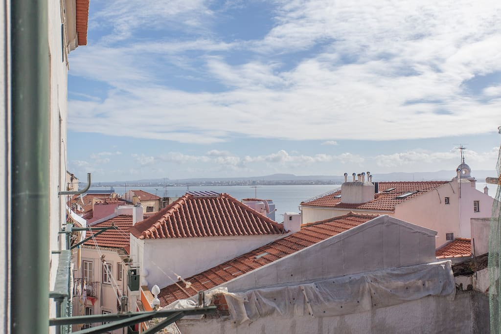The awsome view to Alfama and the Tagus river