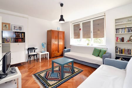 Pretty room near the city center&simple breakfast - Zagabria - Bed & Breakfast