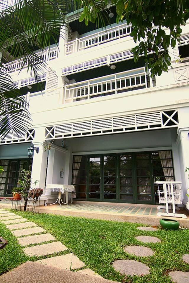 House Entrance & terrace