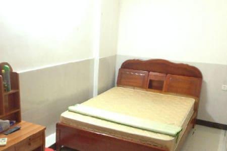 天龙二街大床房 - Jiangmen