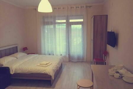 Отличная квартира - Бостери - Appartement