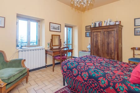 Room in medieval village nearby sea - La Spezia