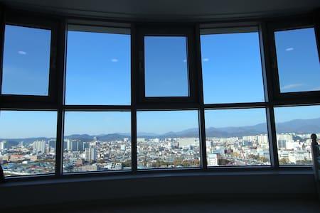 Dongdaegu stn, Free Egg, City view - Dong-gu - Lägenhet