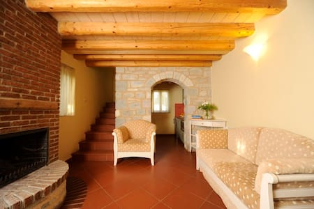 Maisonette in the suberbs of Sparta - Bed & Breakfast
