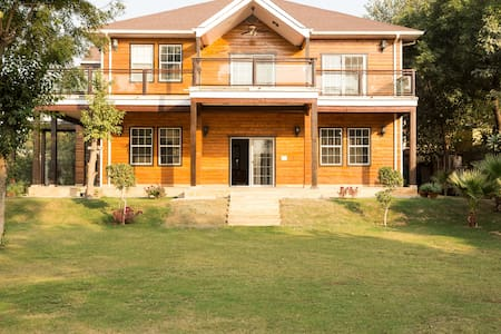 Beautiful Farm House In Delhi - Nueva Delhi