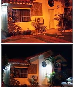 2 Habitaciones en casa de Flia, en Cond Cerrado - Santa Cruz de la Sierra - Rumah