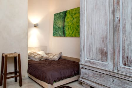 Beautiful room w/ private bathroom - Florence - House