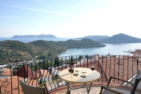 Great view from huge balcony - Kaş - Apartment