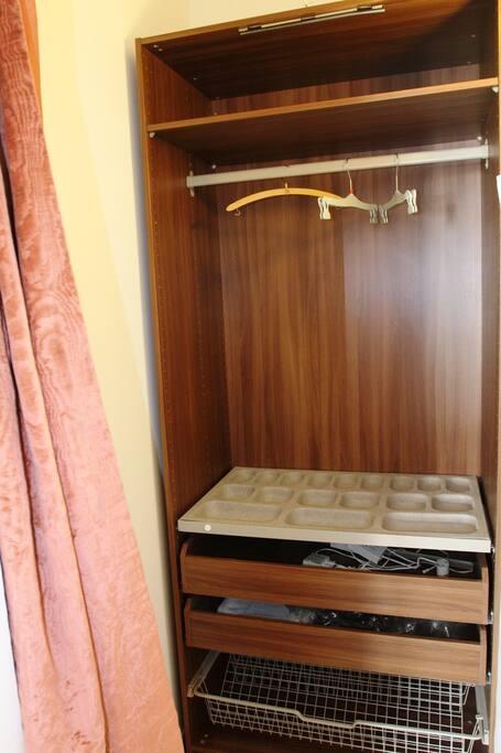 wardroube closet