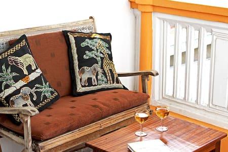 Double Room with en suite, AC & Breakfast Included - Penzion (B&B)