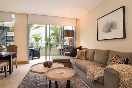 Luxury Romance | 5 to Beach - Apartment