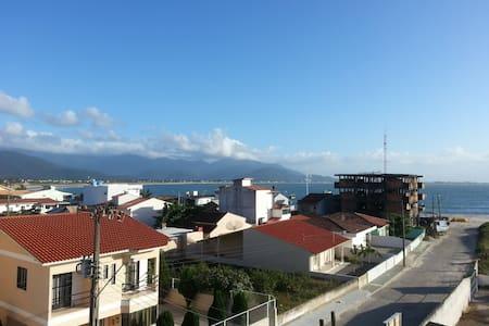 Apartamento com vista para o mar - Apartamento