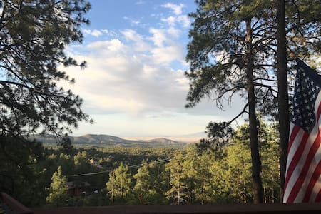 Twisted Oak Cabin with breathtaking views - Prescott - Cabin