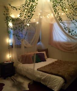 Cloud 9 Canopy Room