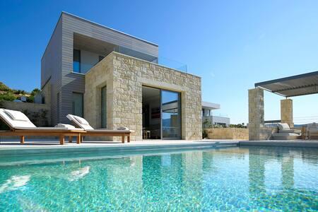 Brand new Youphoria Villa Anassa - Agios Georgios