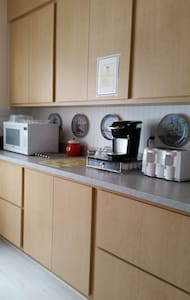 Spacious 3 bedroom upper apt - Huoneisto