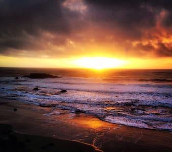 Sunset Cottage - Gold Beach