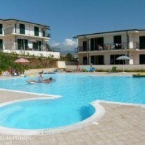 Apartments with swimming pool in Scalea