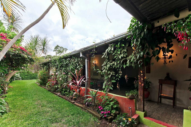 Pretty  relaxing home in Jocotenango, Antigua Guatemala