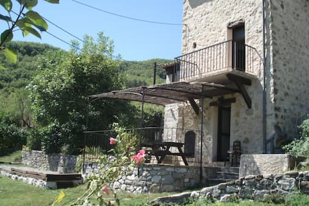 La Maison de Julie - BnB & Cottages - Bed & Breakfast