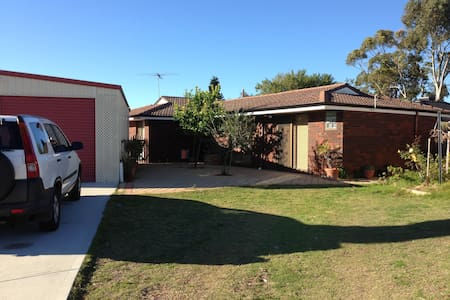 FRESH CLEAN PADBURY HOUSE 4 X 2 - Padbury - Haus
