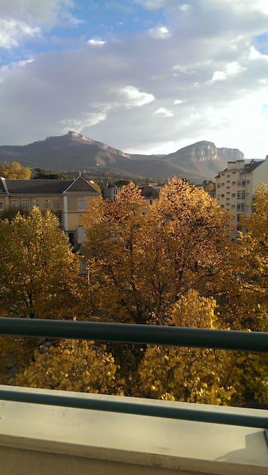 Vue d'automne. Autumn view.