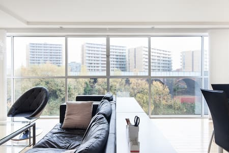 River Views with WiFi and Parking - Apartment