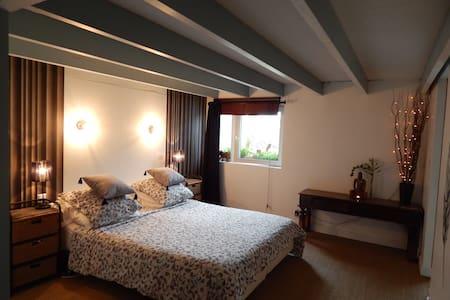 Chambre privative dans loft - Loft