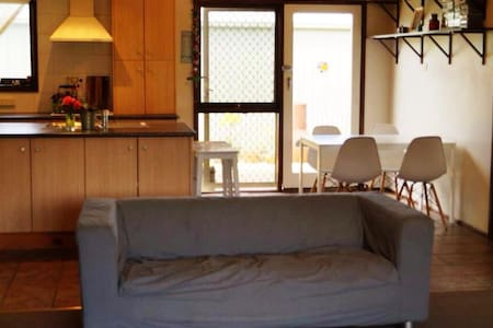 'The Pipi Shack' - Comfortable home