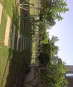 Farmhouse Retreat in Chandigarh - Zirakpur - Bed & Breakfast