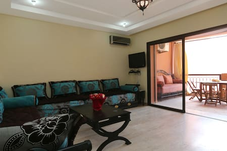 Appartement Guéliz :wifi et piscine - Apartamento