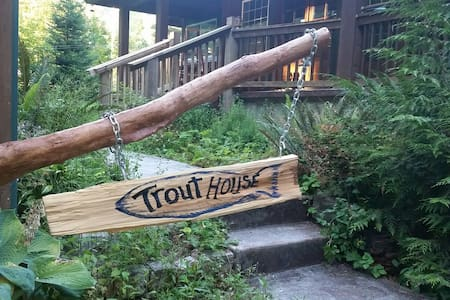 Trout House at Mt Rainier - House