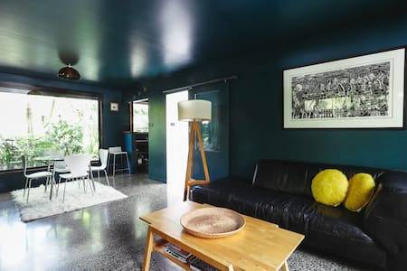 Hambly Lane Studio