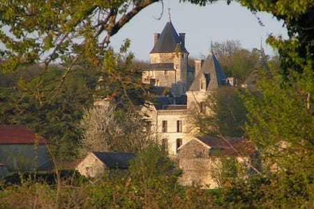 Piolant room in the castle - Bed & Breakfast