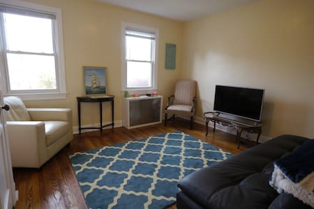 Stay in style, walk to metro - Washington - Apartment