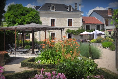 B&B en Dordogne - Agonac - Bed & Breakfast