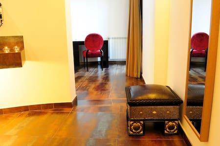 Double Room 409 - Montargil - Bed & Breakfast