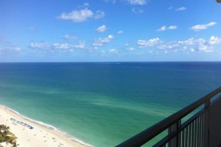 One Bedroom Direct Oceanview - Sunny Isles Beach - Daire