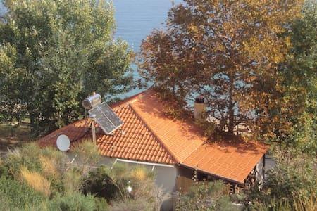 Σπίτι δίπλα στη θάλασσα στην Γαβριάδα Ιερισσού - Ierissos